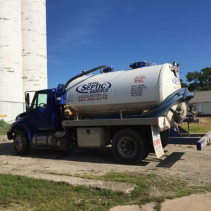septic pumping and cleaning in Davenport and Bettendorf